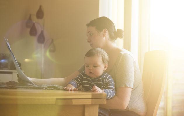 Äiti, kärsitkö yksinäisyydestä? Perhejärjestöt ja vertaistuki auttavat