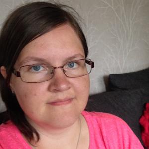 Kolmen lapsen äiti Satu, 26, Tikkakoski