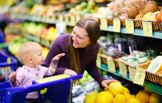 Aikuisten kiire voi ahdistaa lasta, jonka käsitys ajasta on toisenlainen.