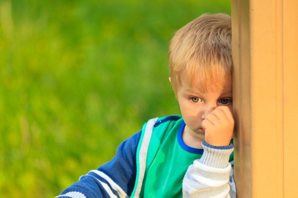 Kuinka herkkä lapsi sopeutuu päivähoitoon? Psykoterapeutti neuvoo.