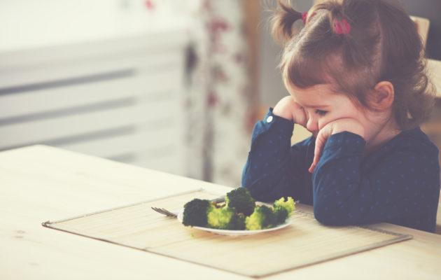 Nirso lapsi söisi mieluiten vain omia suosikkejaan.