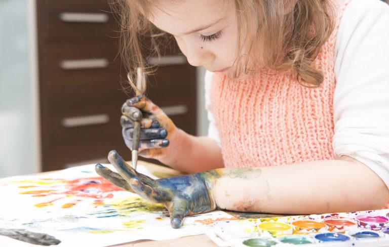 Lasten leikit vaikuttavat myös vanhemman pukeutumisvalintoihin.