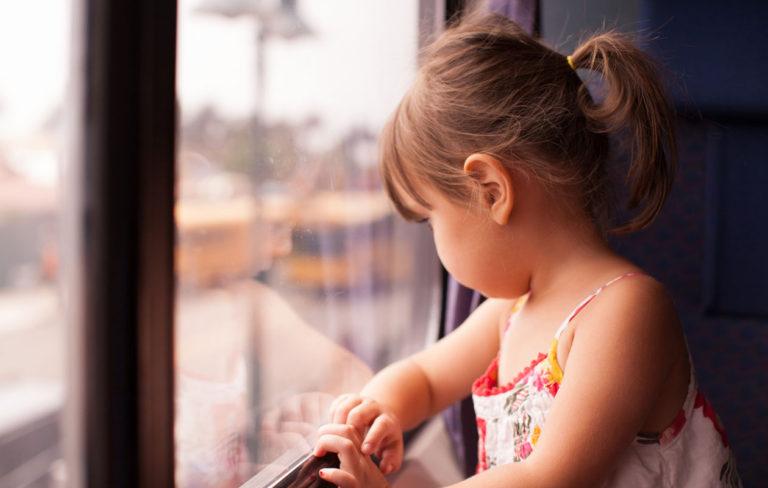 Lapsen masennus on tärkeää tunnistaa ja hoitaa ajoissa.