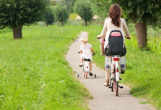 Liikuntaharrastus opettaa lasta tuntemaan kehonsa.