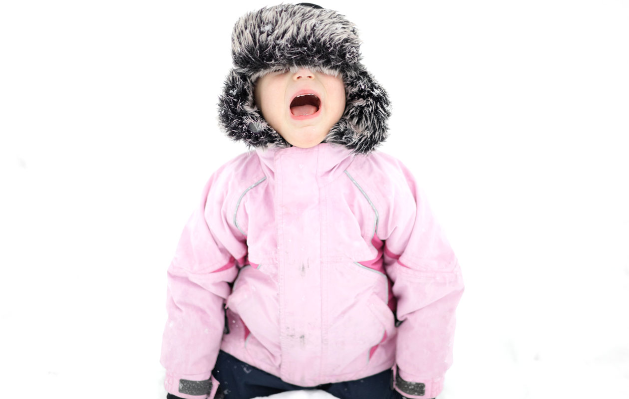 Pukeminen on syy lapsen talviraivoon.