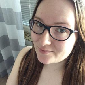 Kolmatta lastaan odottava äiti Anniina, 30, Oulu