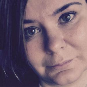 Kolmen lapsen äiti Elina, 34, Jyväskylä