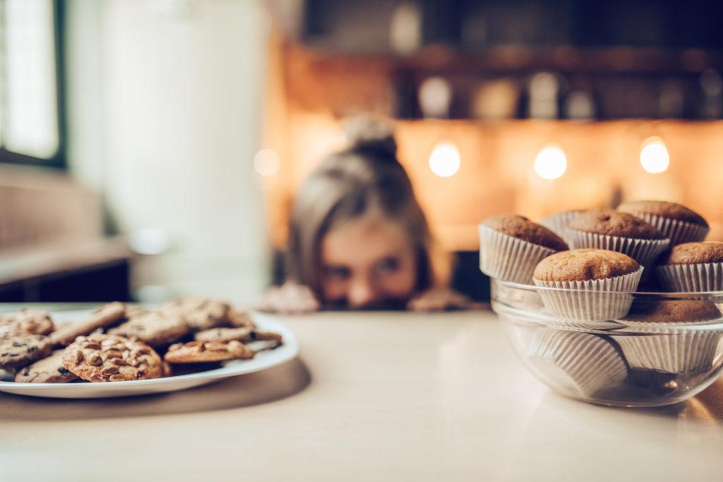 Little girl on kitchen.