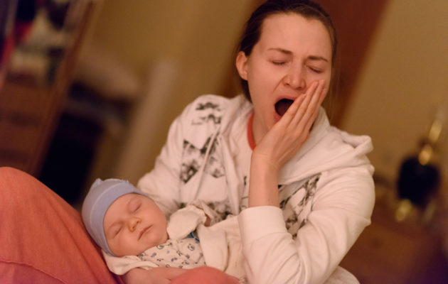väsynyt äiti
