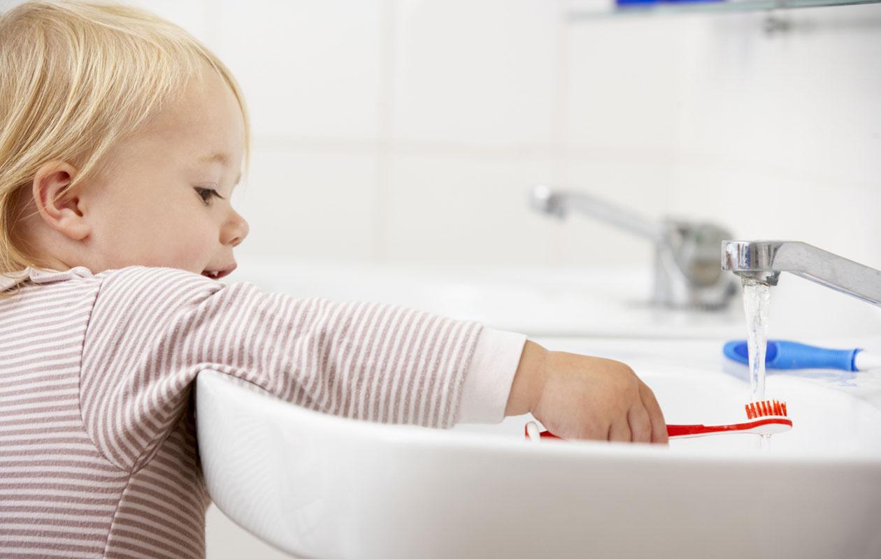 Tarkastathan tietosi, vanhempi – 5 väärää uskomusta hampaiden tulosta