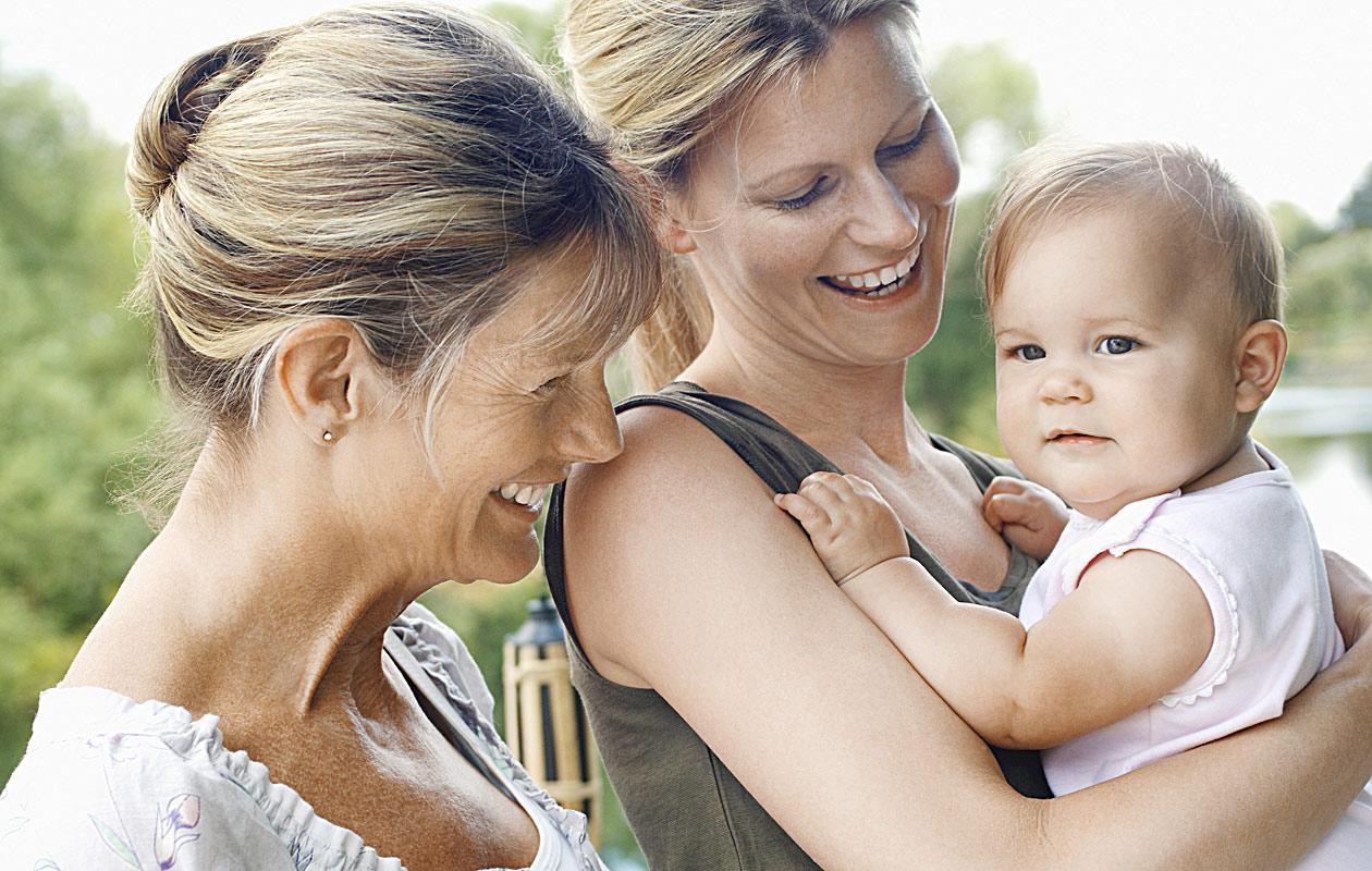 Äitienpäivän kunniaksi kokosimme parhaat kasvatusneuvot, jotka oma äiti on lukijoillemme antanut.