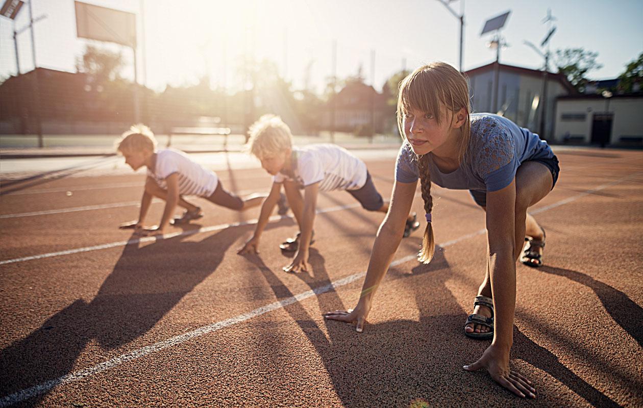 Kun lapsi urheilee paljon, on aikuisen vastuulla huolehtia siitä, että harjoittelu on turvallista ja että rasitusvammat pysyvät vähäisinä.