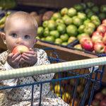 Maksu ensin? Kauppiaat kertovat, voidaanko pikkulasten kohdalla säännöistä joustaa.