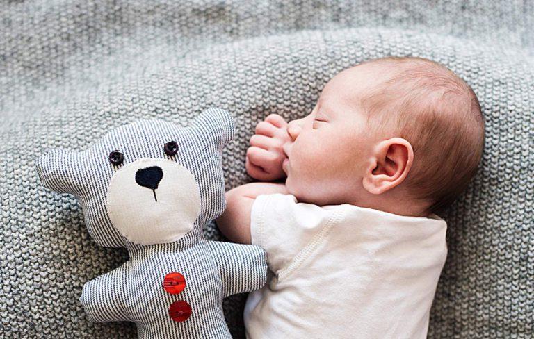 vauvan ensimmäinen unilelu on usein rakkain.