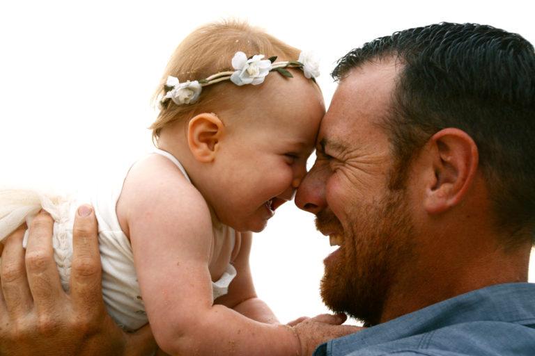 Kehitä vauvan aivoja, vahvista vuorovaikutustanne.