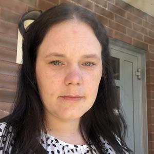 Suurperheen äiti Henna, 35, Tampere