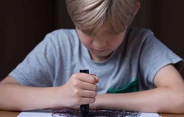 Lapsen tukeminen kriisissä voi vaatia aikuiselta laaja-alaista katsontakantaa.