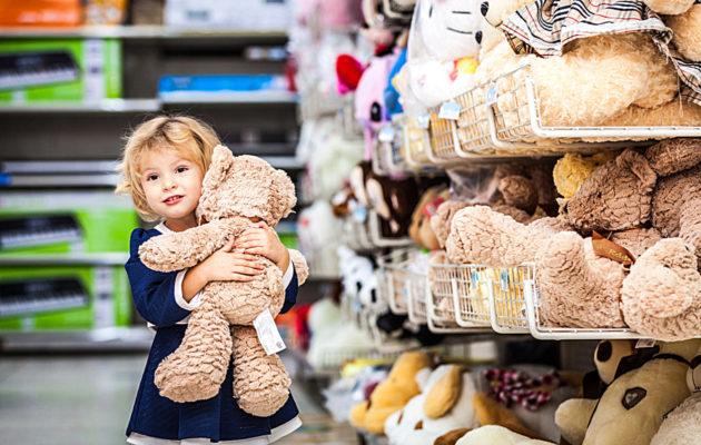 Osta turvallinen lelu lapselle – EU:n ulkopuolisissa nettiikaupoissa kannattaa käyttää harkintaa.