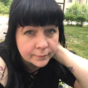 Kolmen lapsen äiti Susanna, 40, Hyvinkää