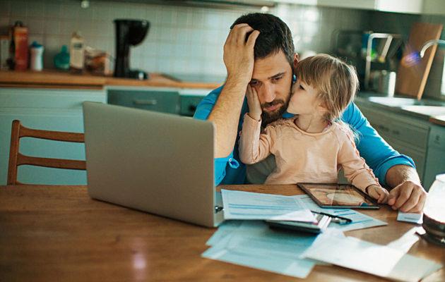 Ero lapsiperheessä voi aiheuttaa myös taloudellisia huolia.
