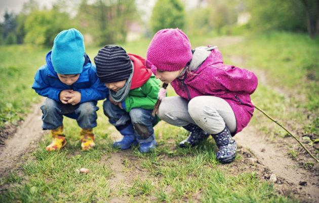Jos lapsi ei halua mennä päiväkotiin, tulee pohtia, mistä se johtuu.