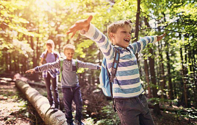 Paluu arkeen lasten kanssa vaatii aikuiselta johdonmukaisuutta.
