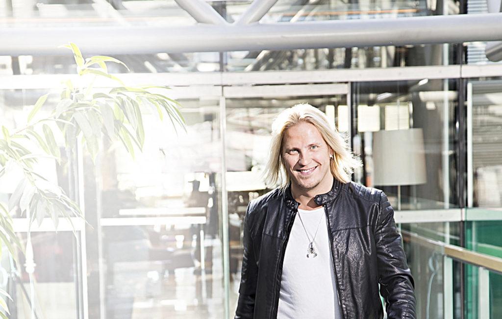 Sami Kuronen on huomannut omien ennakkoluulojensa murtuvan ohjelmanteon myötä.