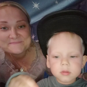 Pienten lasten äiti Janna, 32, Pertteli