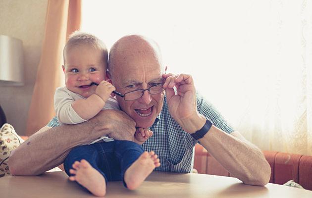 Lapsi mummolassa tarkoittaa vanhemmille pientä lomaa.