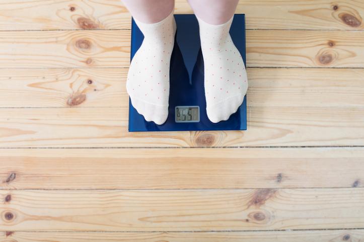 Lapsi puntarilla - lapsen painoindeksi kannattaa selvittää laskurilla