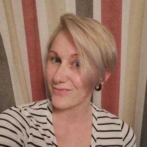Äitiyslomalainen Noora, 28, Kuru
