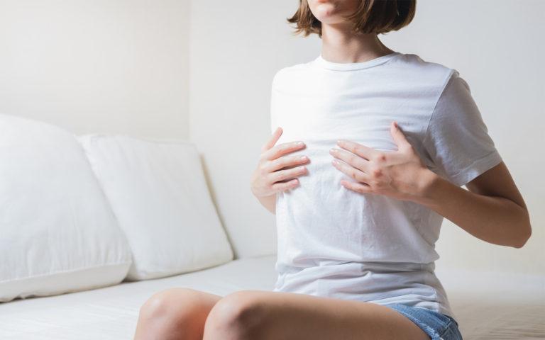 Imetyksen lopettaminen voi aiheuttaa pingotusta rinnoissa.