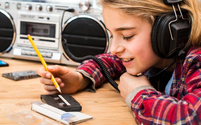 Moni 1990-luvun lapsi nauhoitti kasetille radiosta suosikkikappaleitaan.