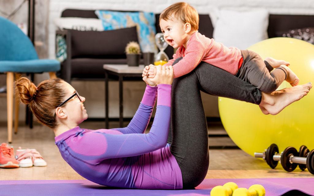 Lentokoneleikki on mainio leikki vauvan kanssa.