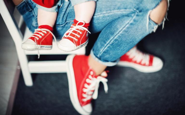 """Samisteluvaatteet ovat yksi tapa osoittaa """"hyvää"""" vanhemmuutta, näkee tutkija Erica Åberg."""