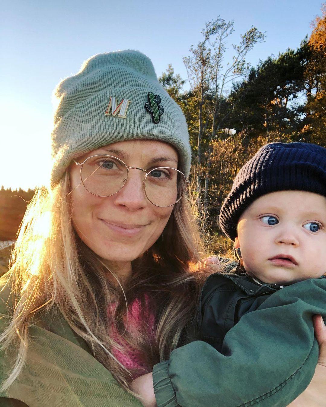 Itä-Helsingin vehreät maisemat ovat luontoa ja sienestämistä arvostavan Meri-Tuulin mieleen. Myös Meri-Tuuli Väntsin lapset pääsevät mukaan sieniretkille.