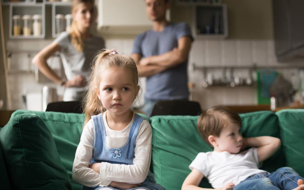 Supernanny Pia Penttala peräänkuuluttaa sitä, että lapsille on asetettava rajoja.