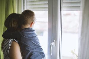 Lastensuojeluilmoituksen seurauksena ainoastaan huostaanotto voi tapahtua vastoin vanhempien tahtoa, ja sekin on vasta äärimmäinen keino.