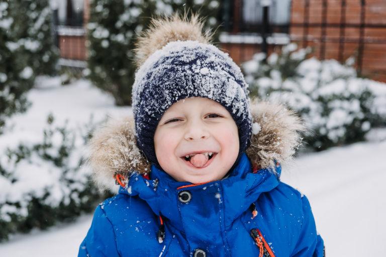 Tic-oireet ja monet muut lasten kohtausoireet ovat ohimeneviä kehitysvuosien kummallisuuksia.