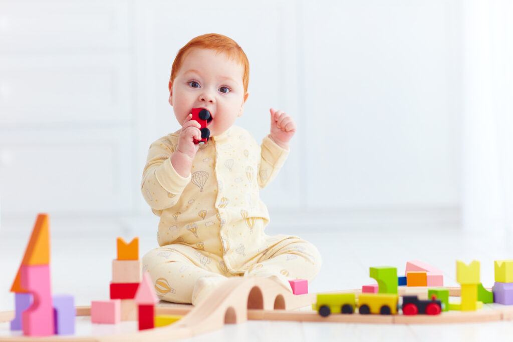 Erityisesti lasten puuleluista löytyy satunnaisesti irtoavia osia.