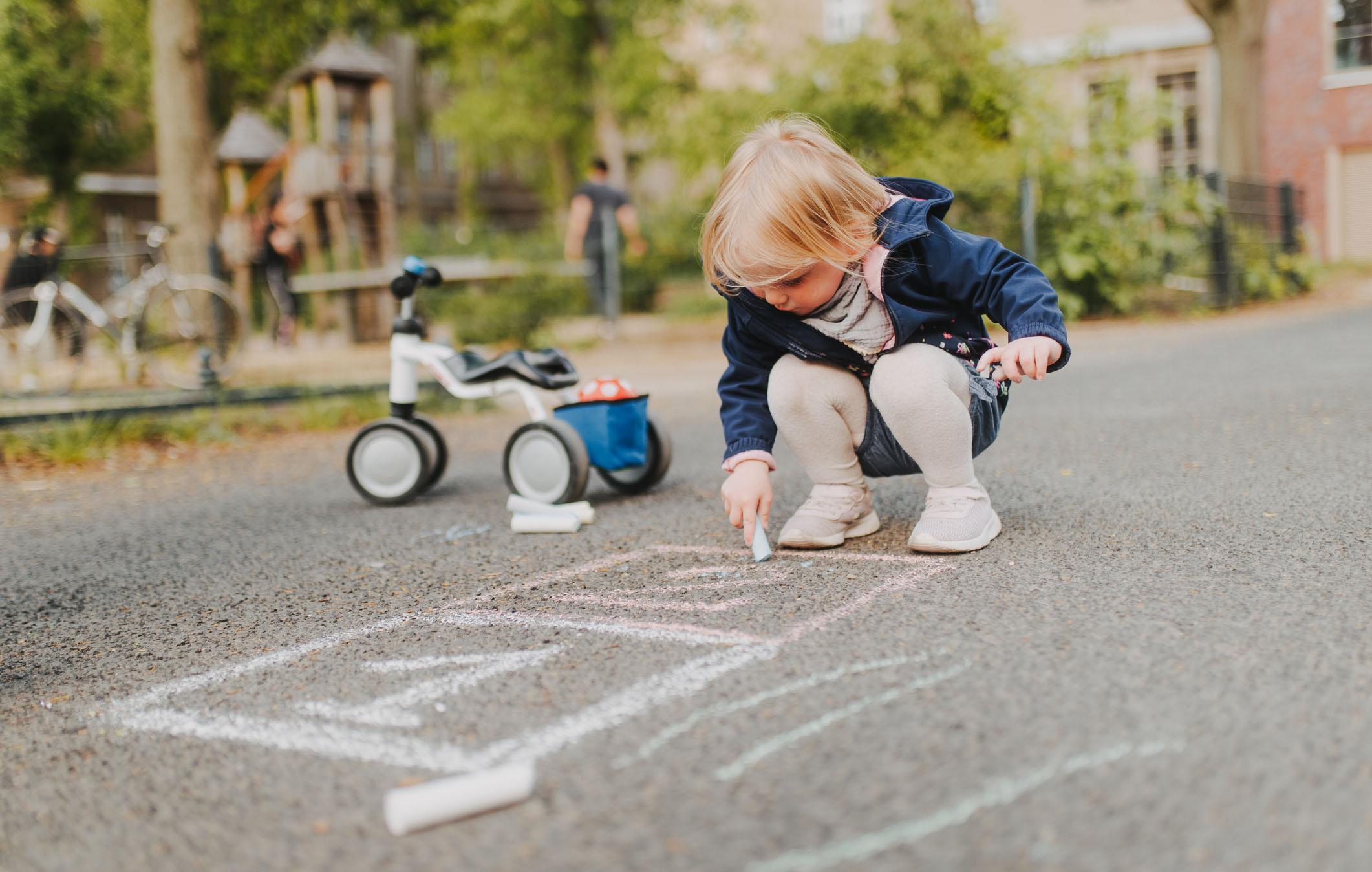 Kehuminen ei ole itsestäänselvyys, vaan taitoja siihen opitaan jo lapsuudessa.