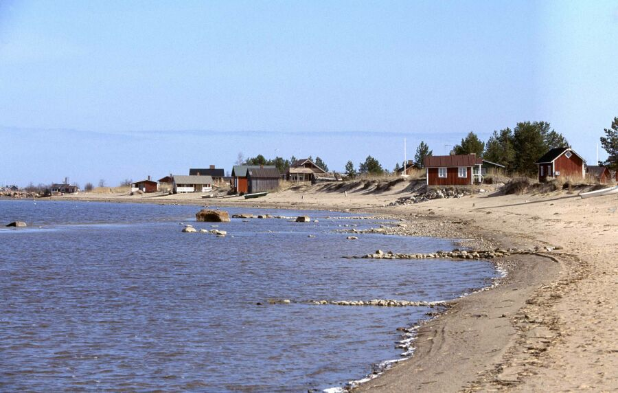 Perheloma Suomessa: hiekkaranta on aina varma vaihtoehto.