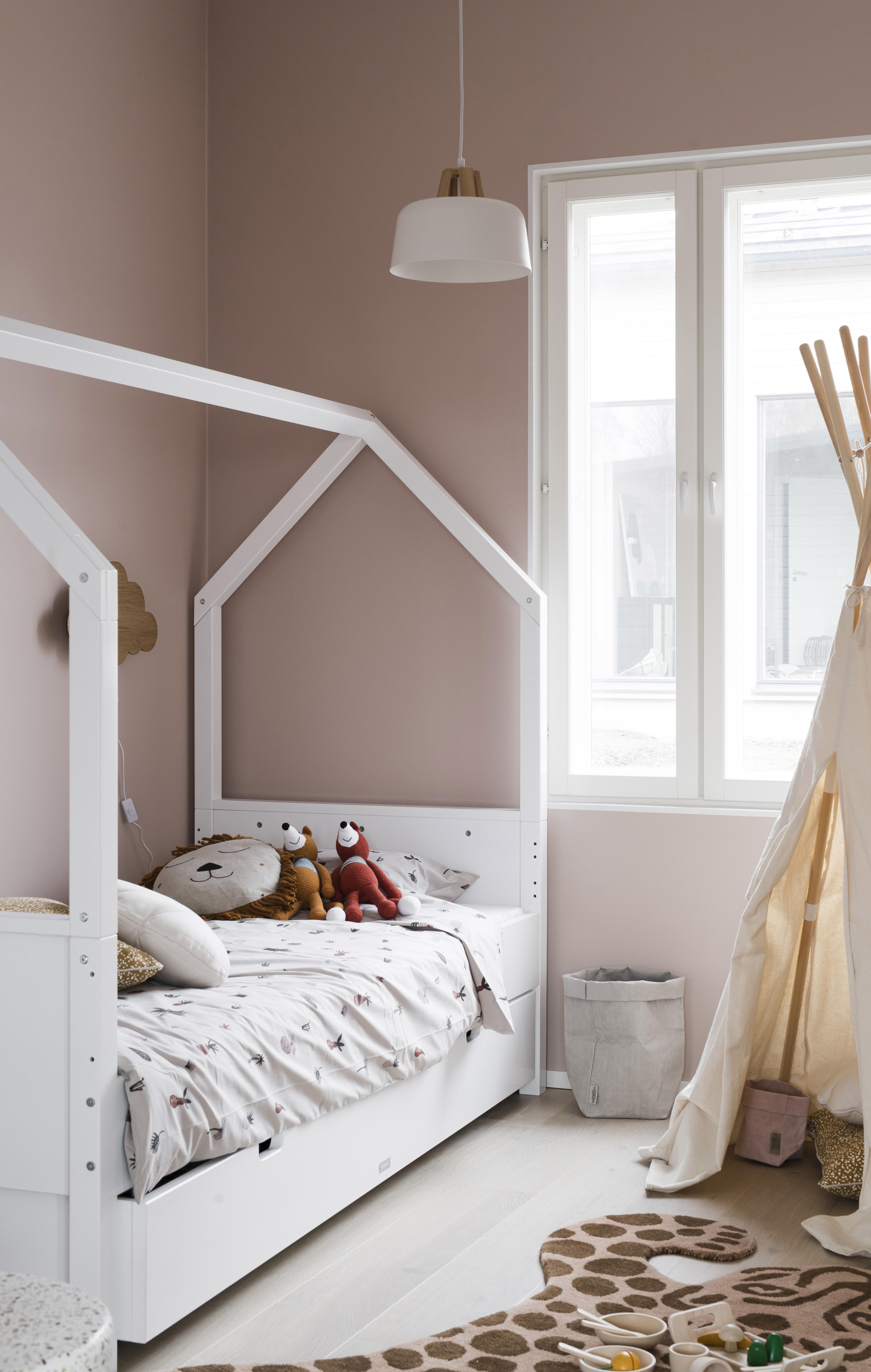 Lastenhuoneen sisustus: hempeä värimaailma on ajaton.